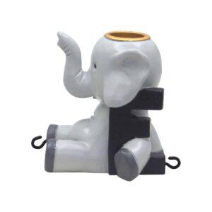 E bogstav med elefant til navnetog