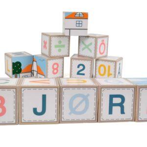 Magni Klodser ''Farm'' med skandinaviske bogstaver