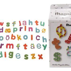 Magni Magnetiske bogstaver i en mælkekasse